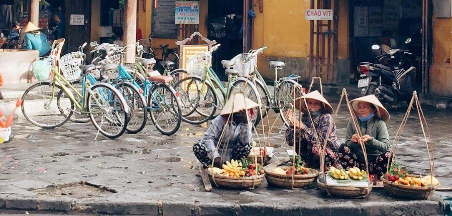 Marché local Hoi An - Circuit dégustation gastronomique du Vietnam 10 jours