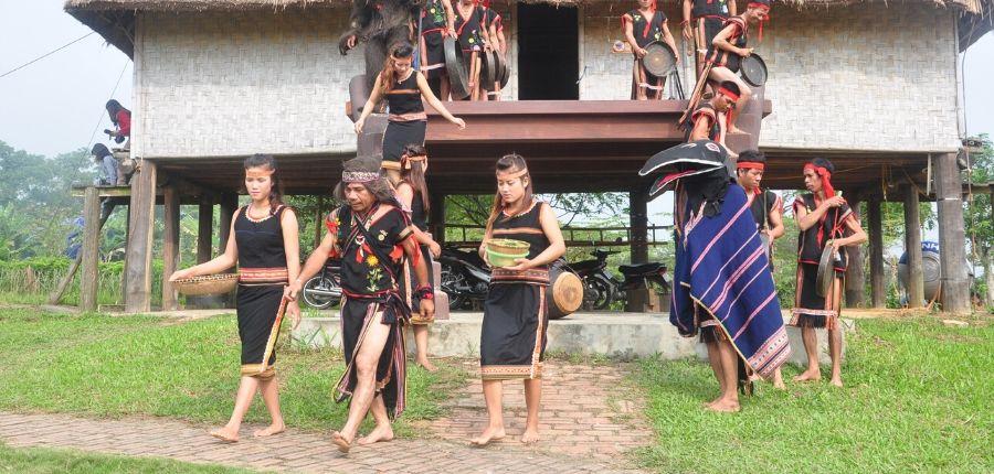 Village de Bana - Circuit Découverte du Haut Plateau au Vietnam 7 jours